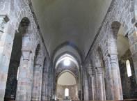 Église de la communauté bénédictine de Bellaigue dans la commune de Virlet (Puy-de-Dôme, France)