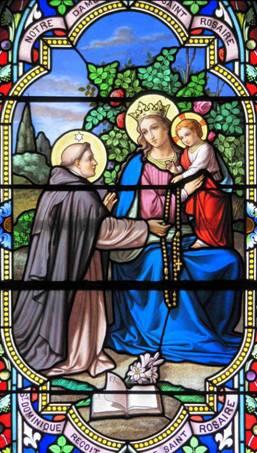 Notre-Dame du Saint-Rosaire, Saint-Dominique reçoit le Saint-Rosaire