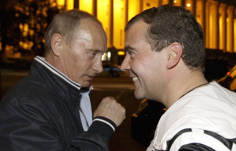 Medvedev contre Poutine